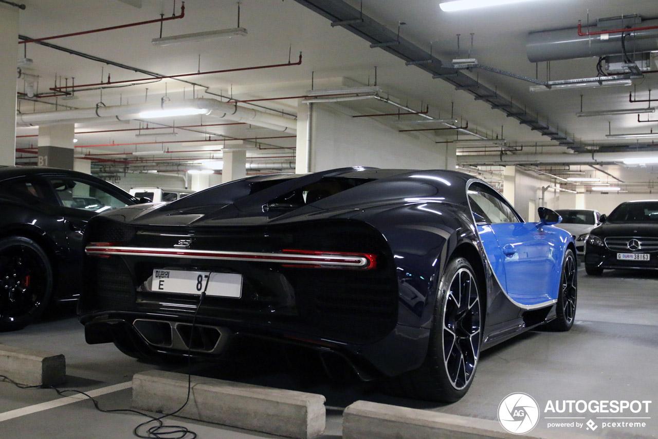 Bugatti Chiron in Dubai wordt goed verzorgd