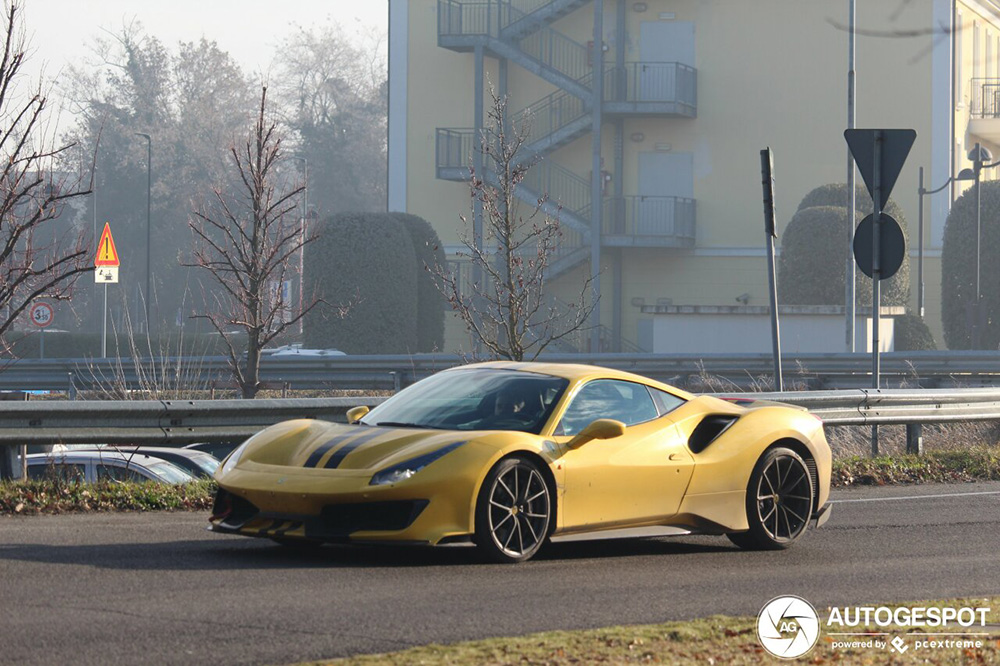 Spotted: Finally the first yellow Ferrari 488 Pista
