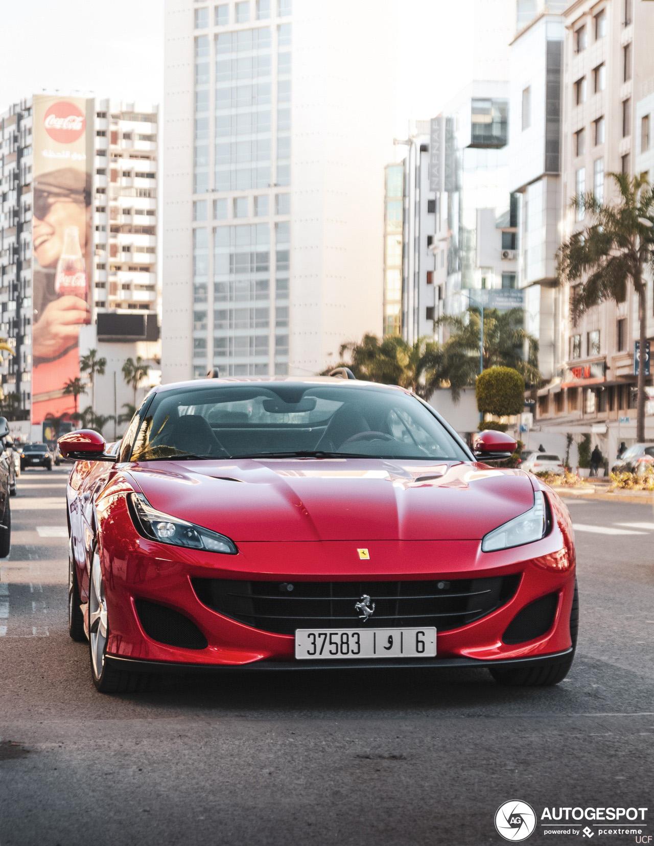 Gespot: Ferrari Portofino in Casablanca