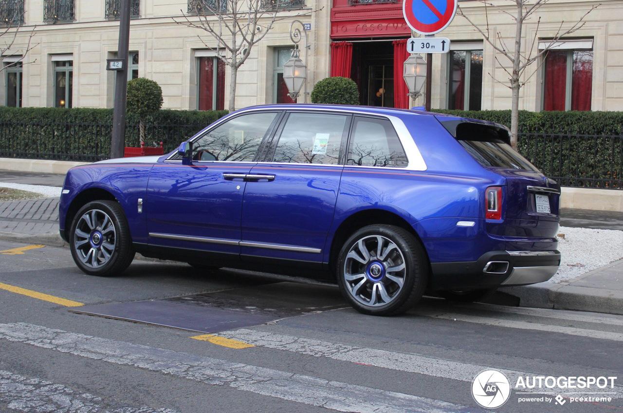 Rolls-Royce Cullinan eindelijk gespot met hippe kleur