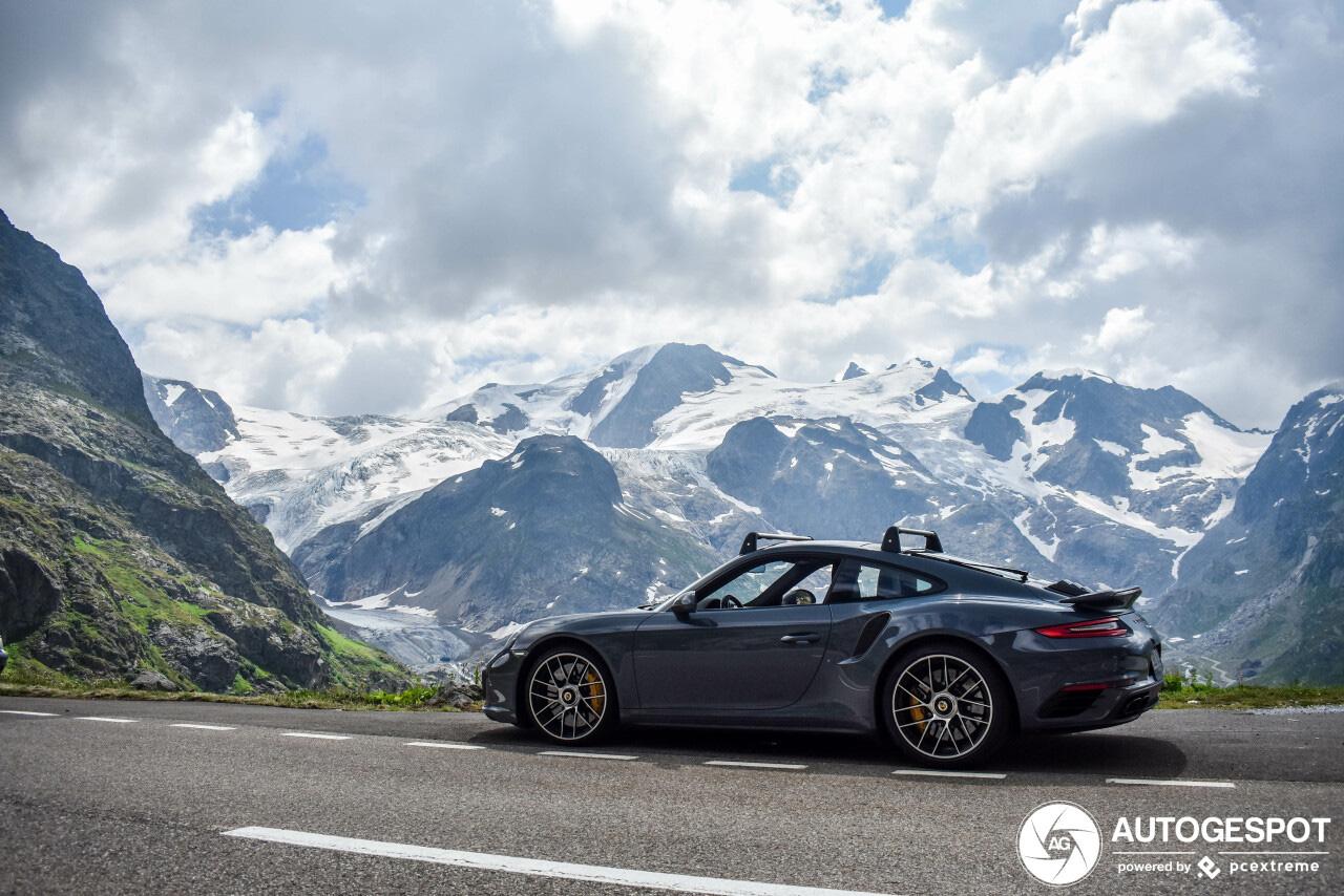 Porsche 991 Turbo S kan de ski's meenemen
