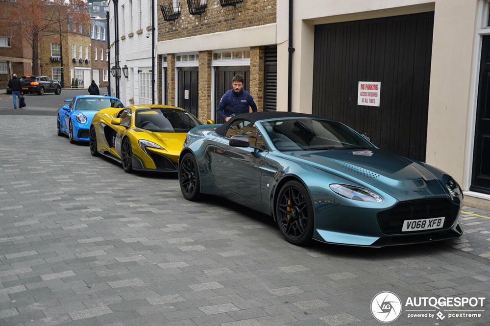 Primeur gespot: Aston Martin V12 Vantage V600 Roadster