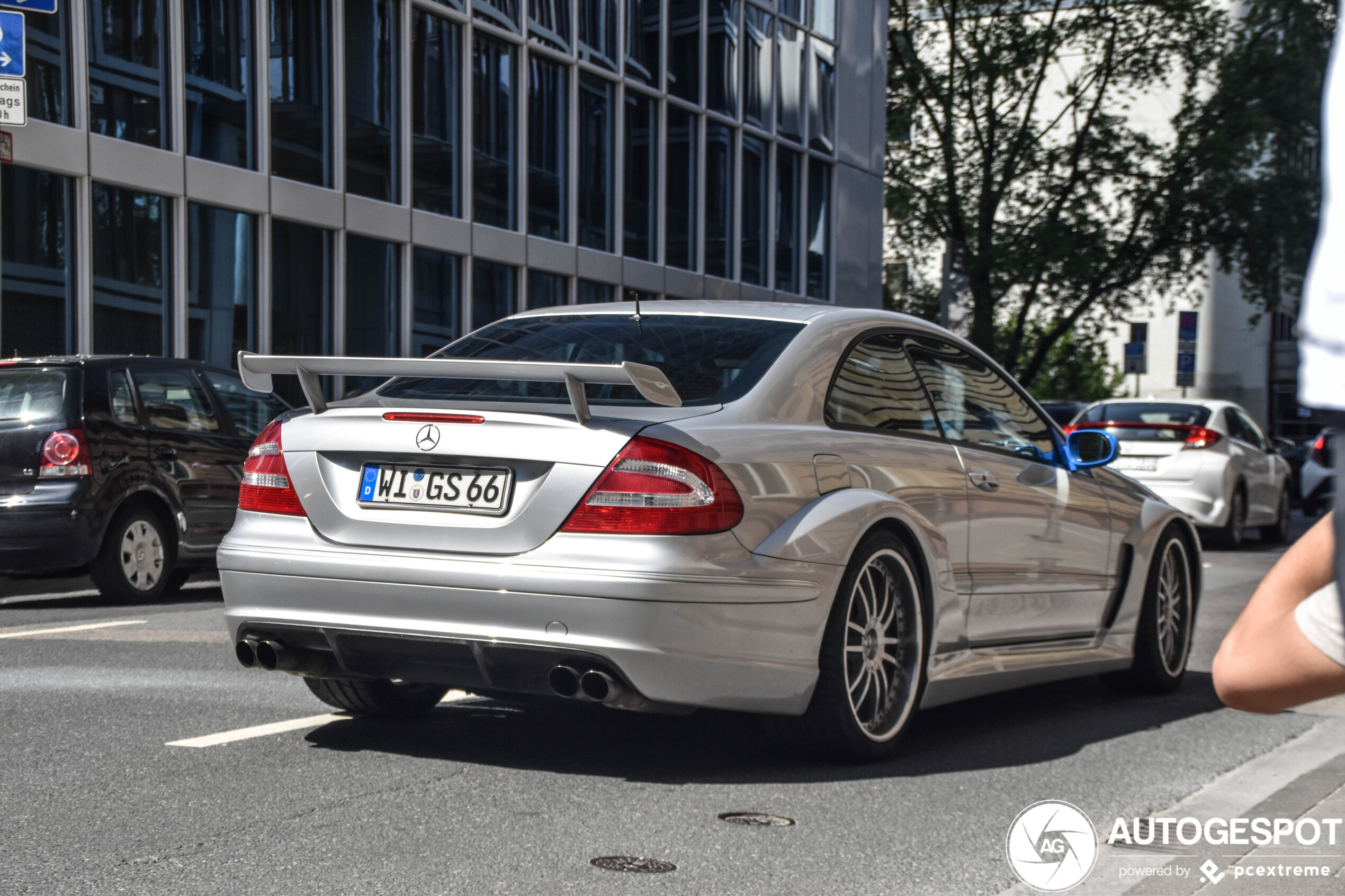 Mercedes-Benz CLK DTM AMG heeft vreemde aanpassingen gehad