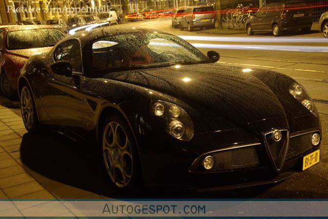 Gespot: Alfa Romeo 8C Competizione in Amsterdam!