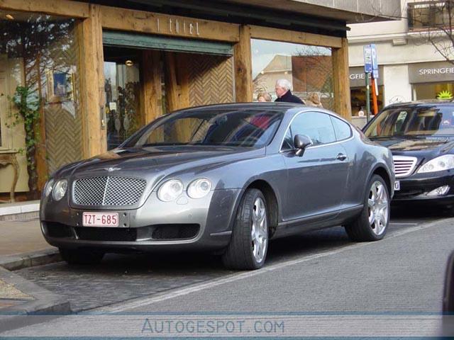 Bentley Continental GT in de woonkamer