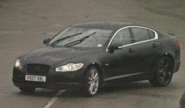 Jaguar XF-R zonder camouflage
