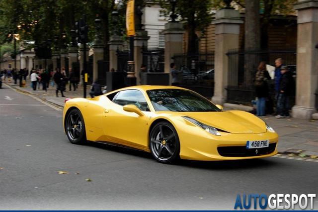 Alle kleuren van de regenboog: Ferrari 458 Italia