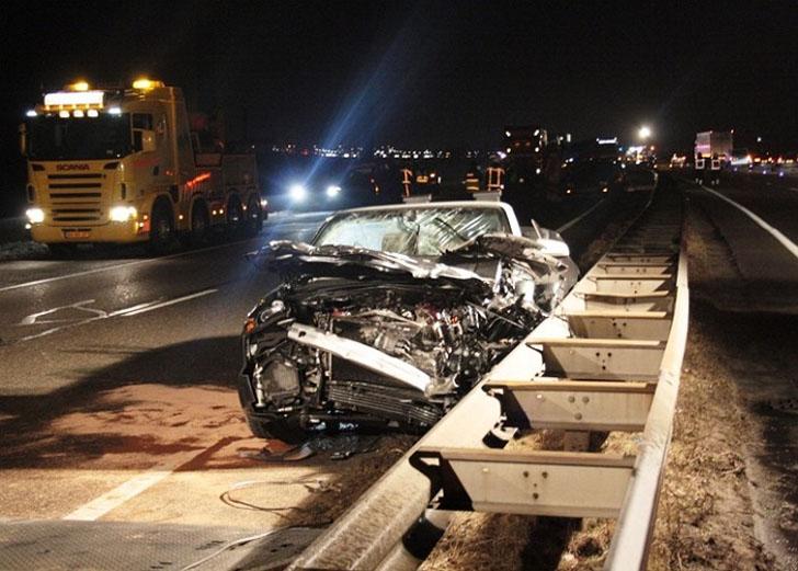 Bestuurder Audi Rs4 Cabriolet Veroorzaakt Ongeval Op A15