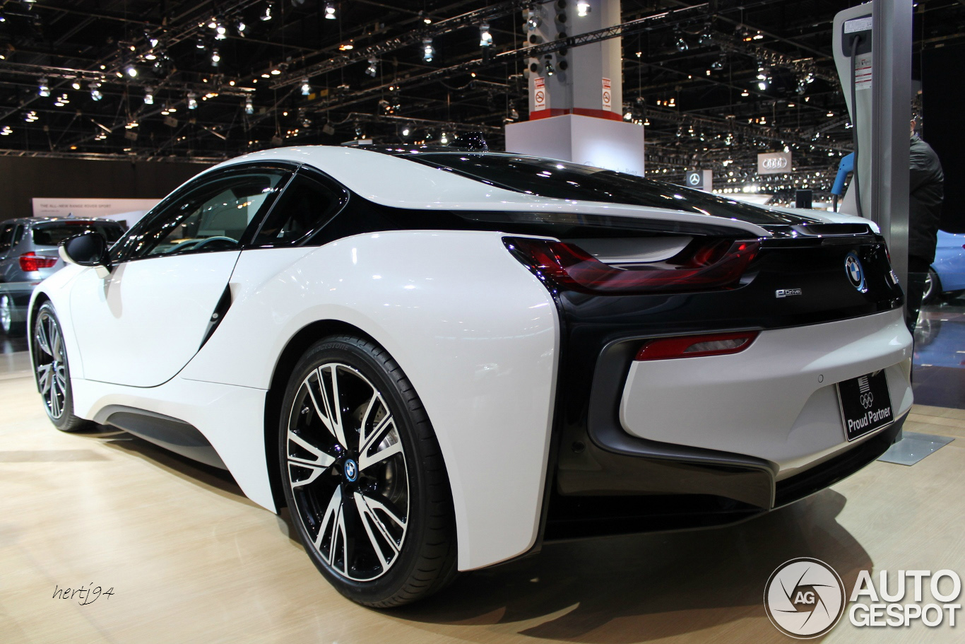 Chicago Auto Show 2014: BMW I8
