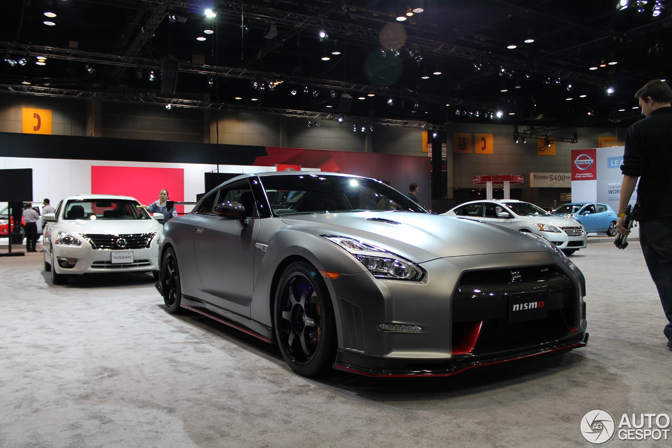 chicago auto show 2014 nissan gt r nismo. Black Bedroom Furniture Sets. Home Design Ideas