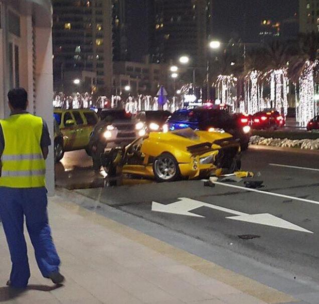 Pagani Zonda C12-F Crashed In Dubai