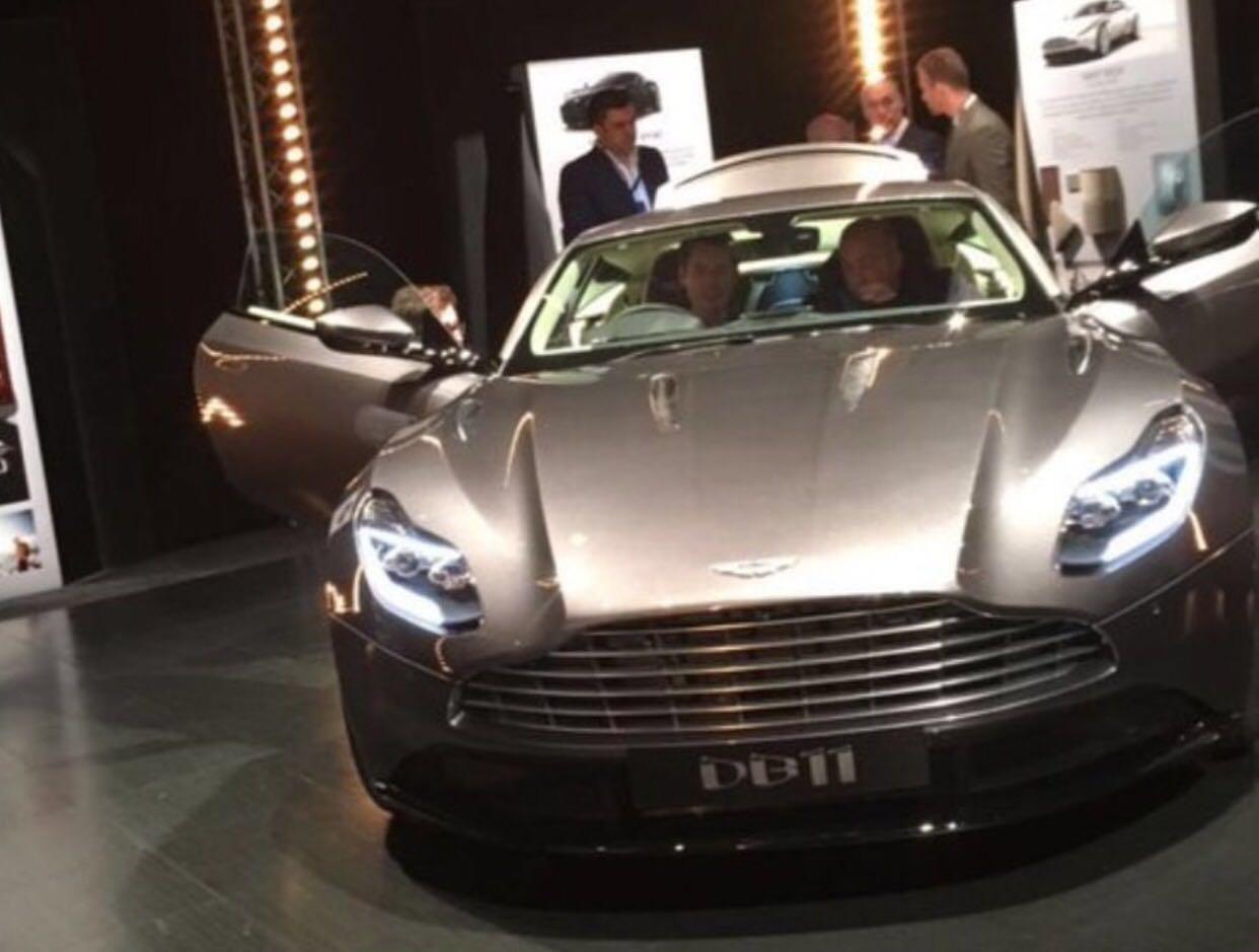 Dit is de Aston Martin DB11!