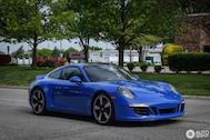 Spotted: Porsche Carrera GTS Club Coupe