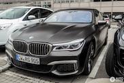 Ook de BMW M760Li xDrive moet het veld gaan ruimen