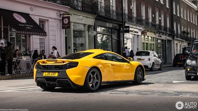 Knalgele McLaren 650S Le Mans valt op in Londen