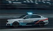 Filmpje: kwijlen bij beelden van de BMW M5 F90 met Performance parts