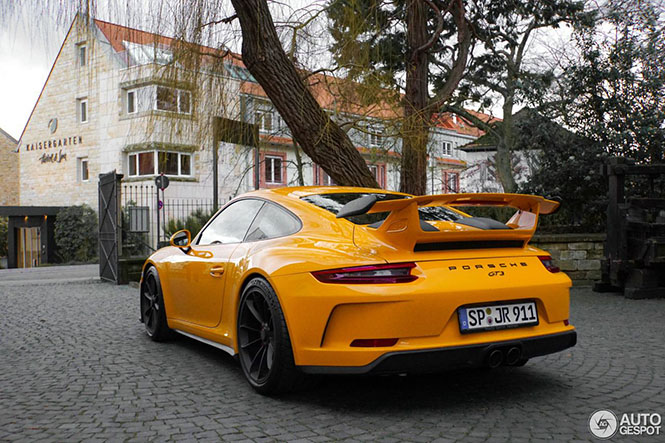 PTS Signal Yellow Porsche GT3 is gewoon vet