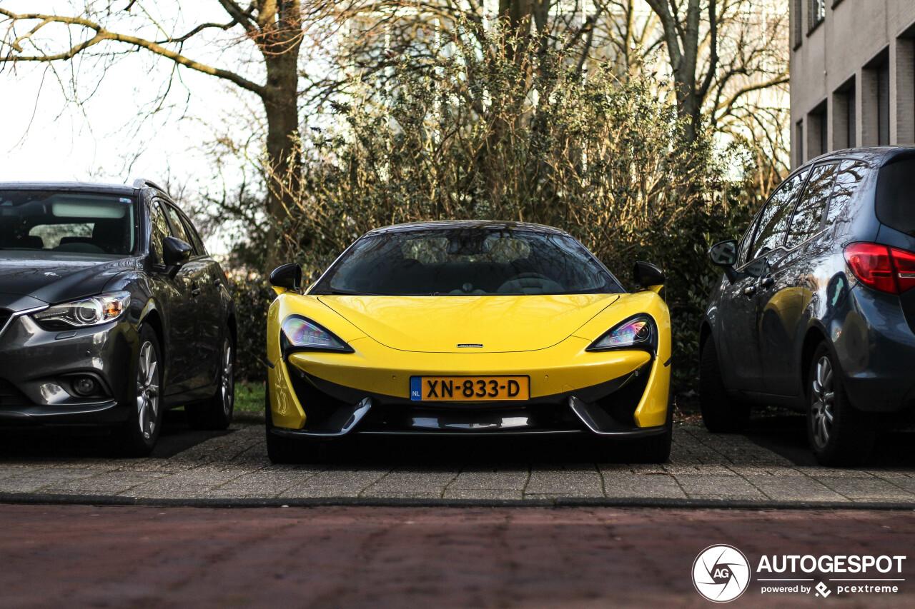 Fraaie McLaren 570S Spider op NL kenteken