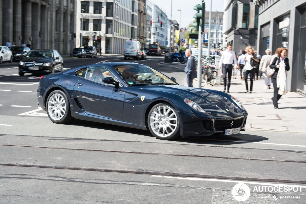 Deze Ferrari pakt het even anders aan