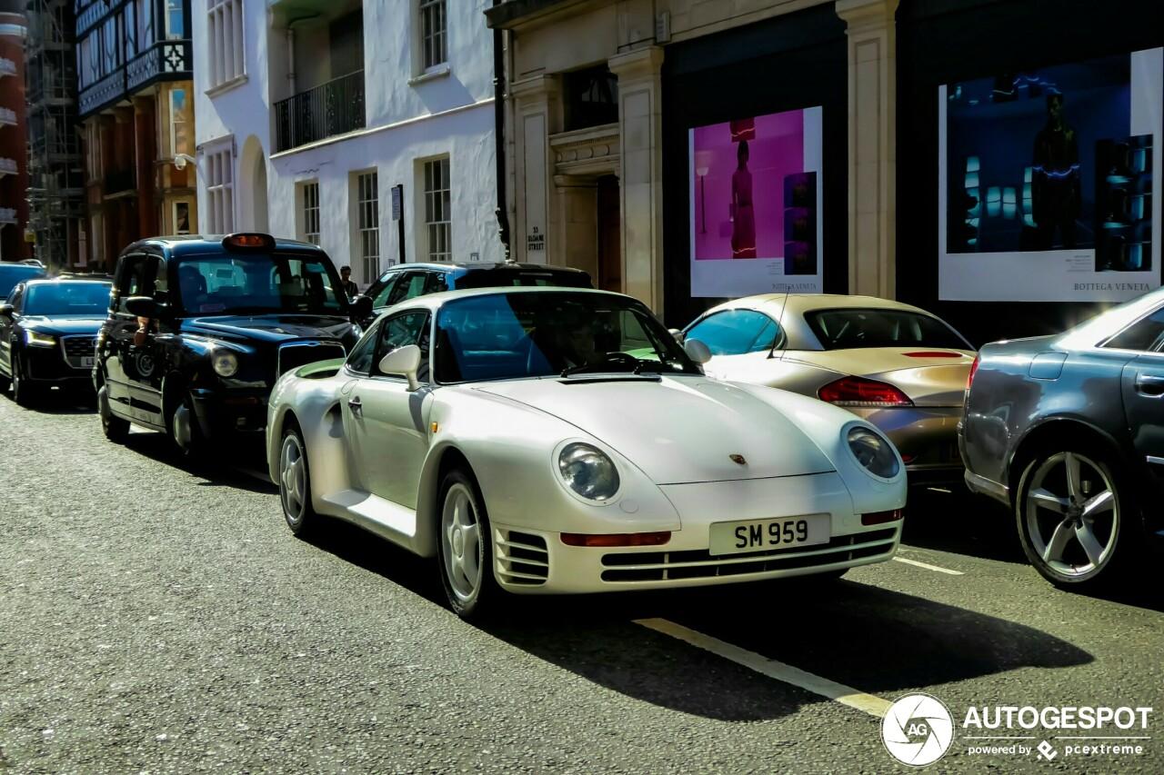Uiterst zeldzame Porsche 959 voor de zoveelste keer gespot
