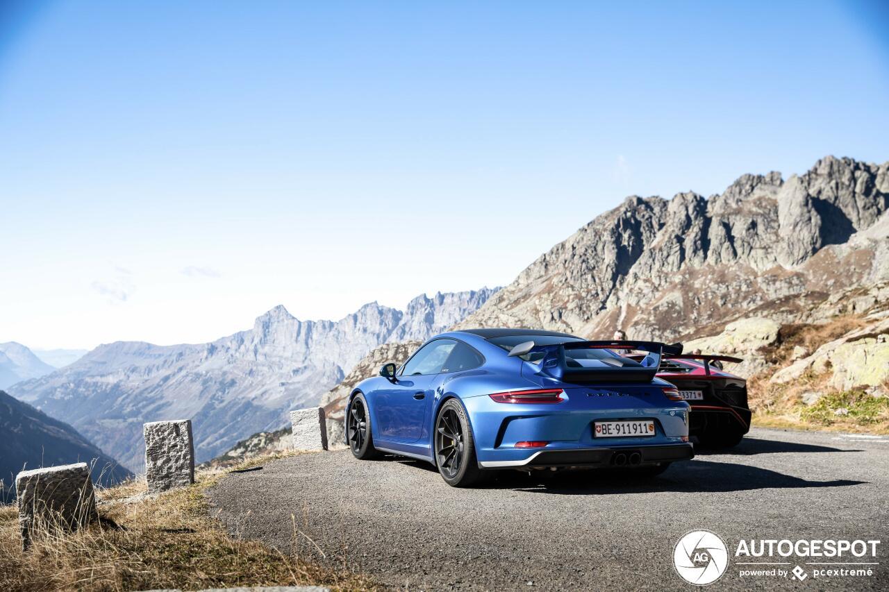 山中拍摄:兰博基尼 Aventador SV 与保时捷 991 GT3