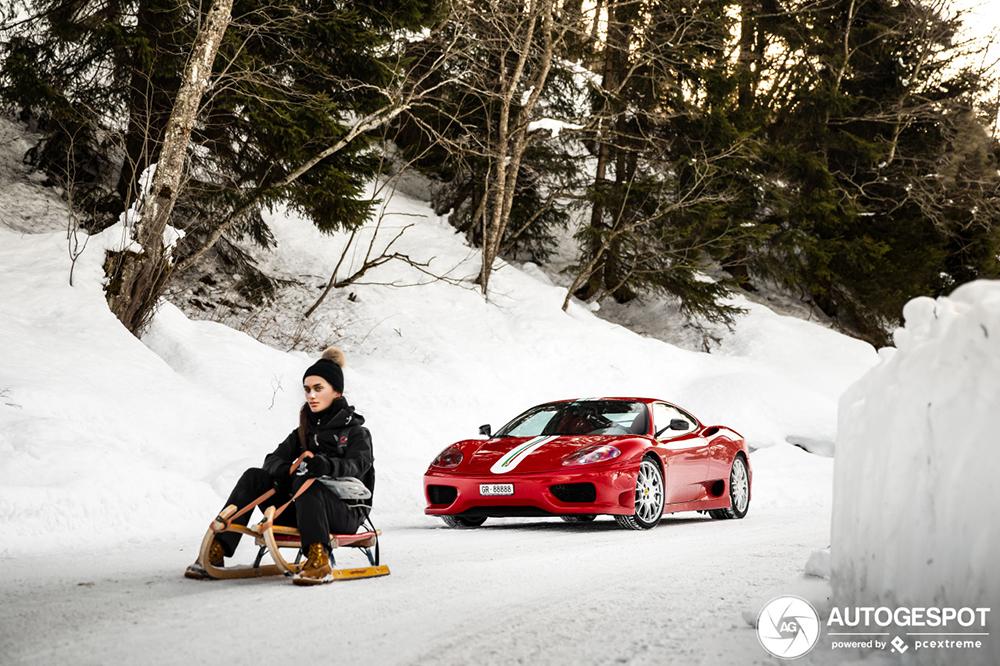 Nog een Challenge Stradale die sneeuwliefhebber is