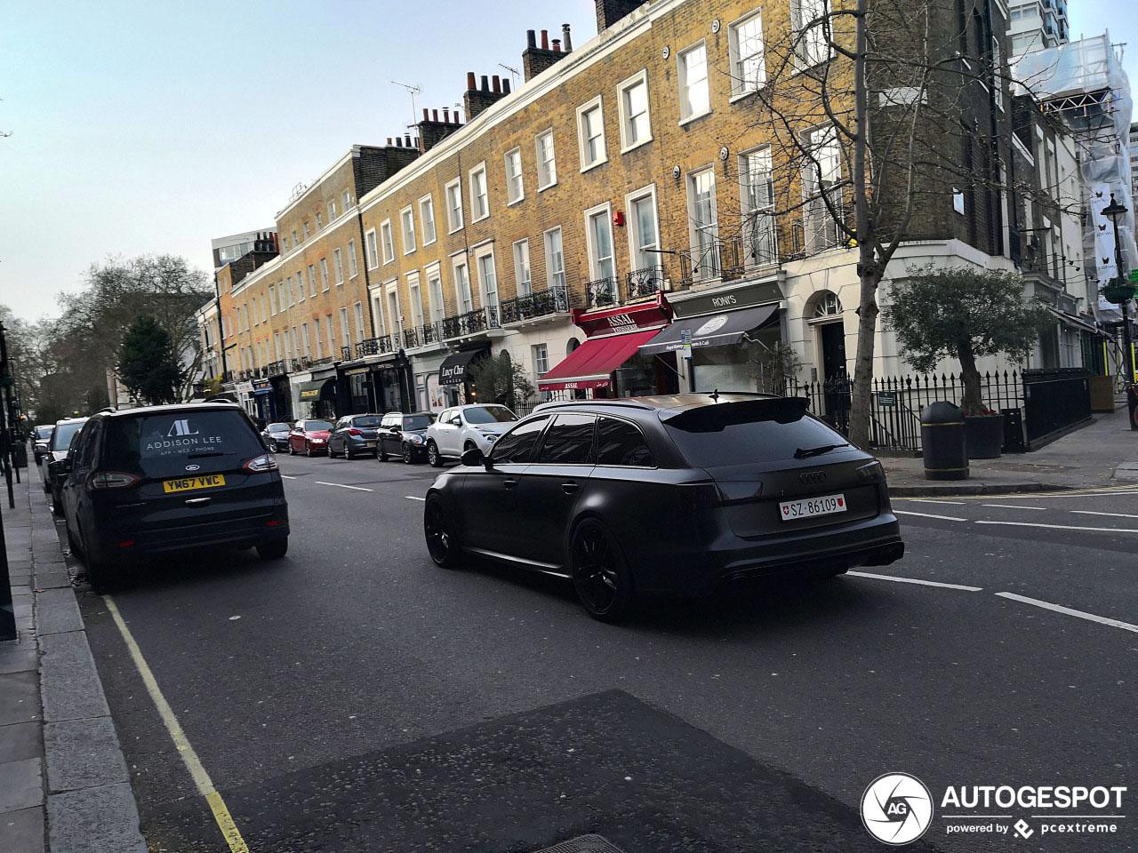 Batman rijdt tegenwoordig een Audi RS6 Avant