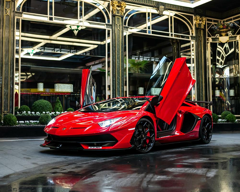 Tour door Londen met Lamborghini Aventador SVJ