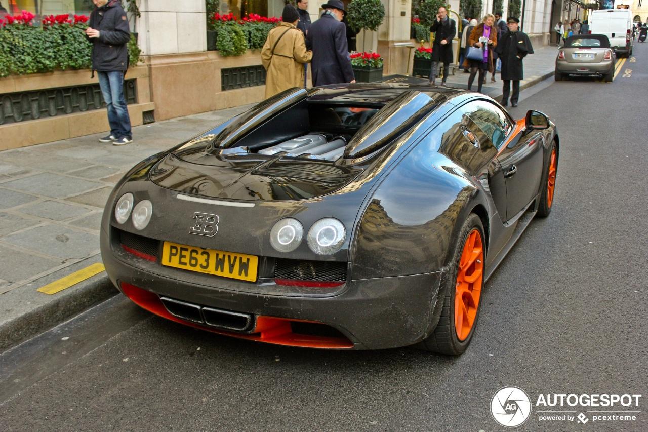 Bugatti Veyron 16.4 Grand Sport Vitesse in Parijs gespot