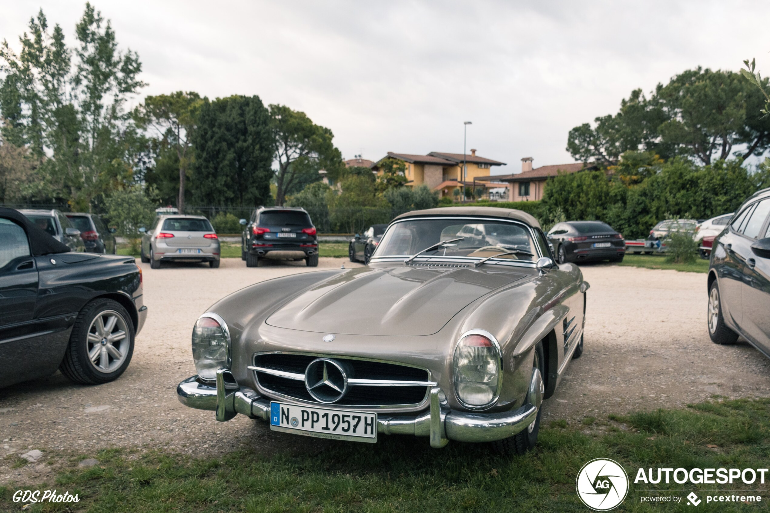 Bestaat er een beter decor voor de Mercedes-Benz 300 SL Roadster?