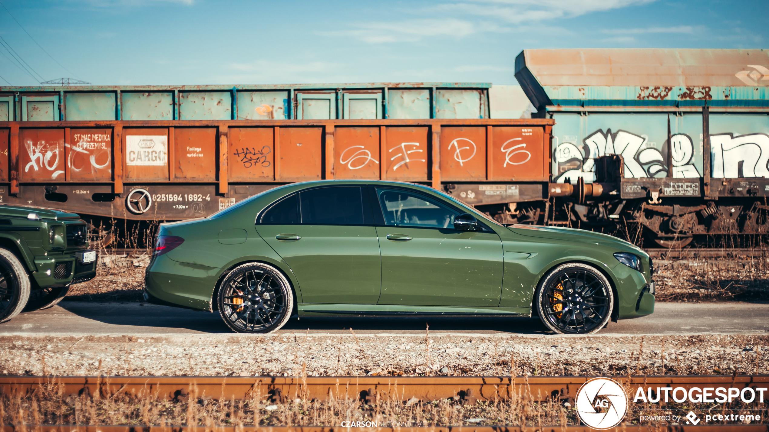 Mercedes-AMG duo is in een zeer prettig kleurtje gestoken