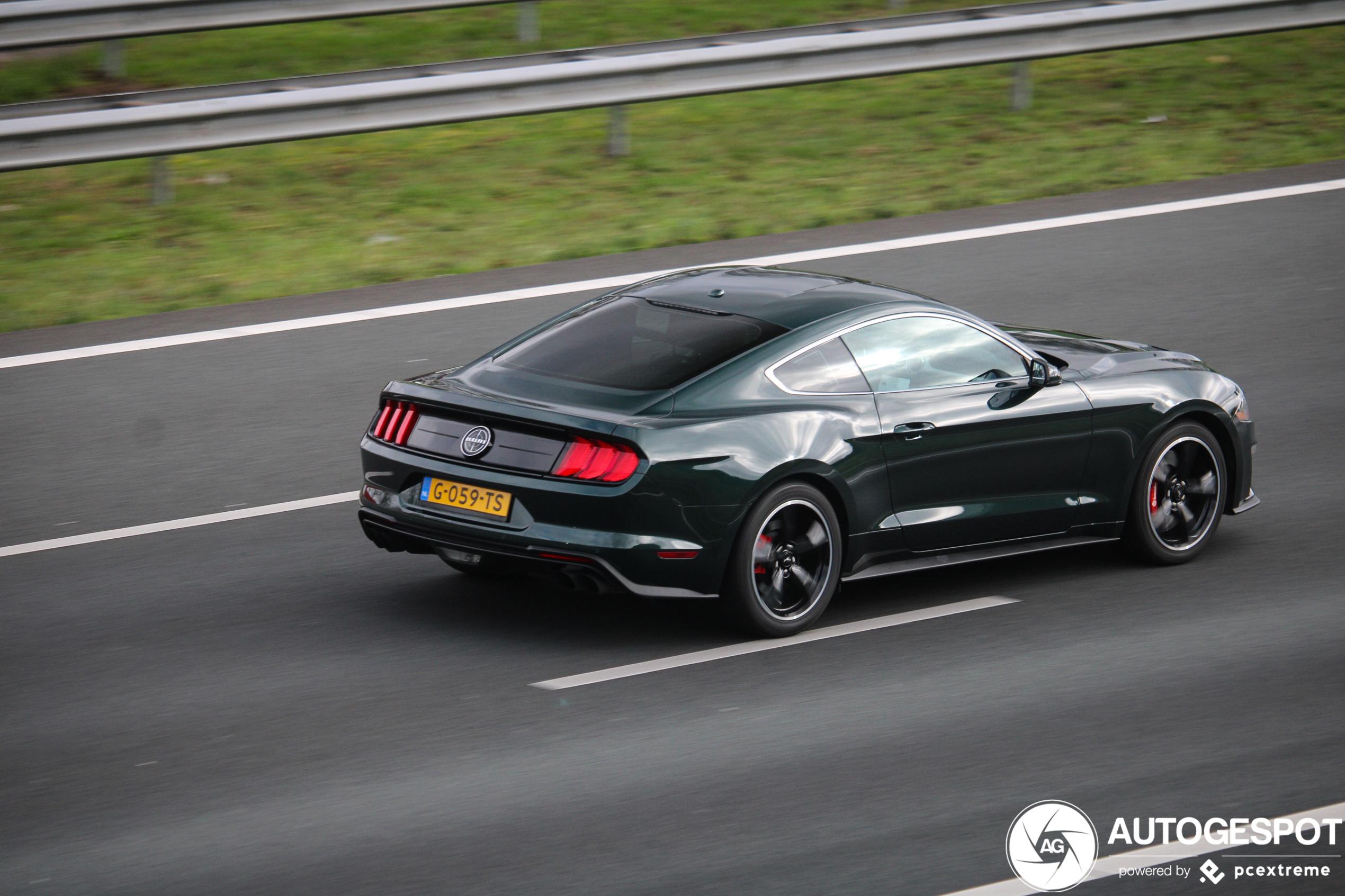 Hier rijdt een absolute liefhebber van de Ford Mustang