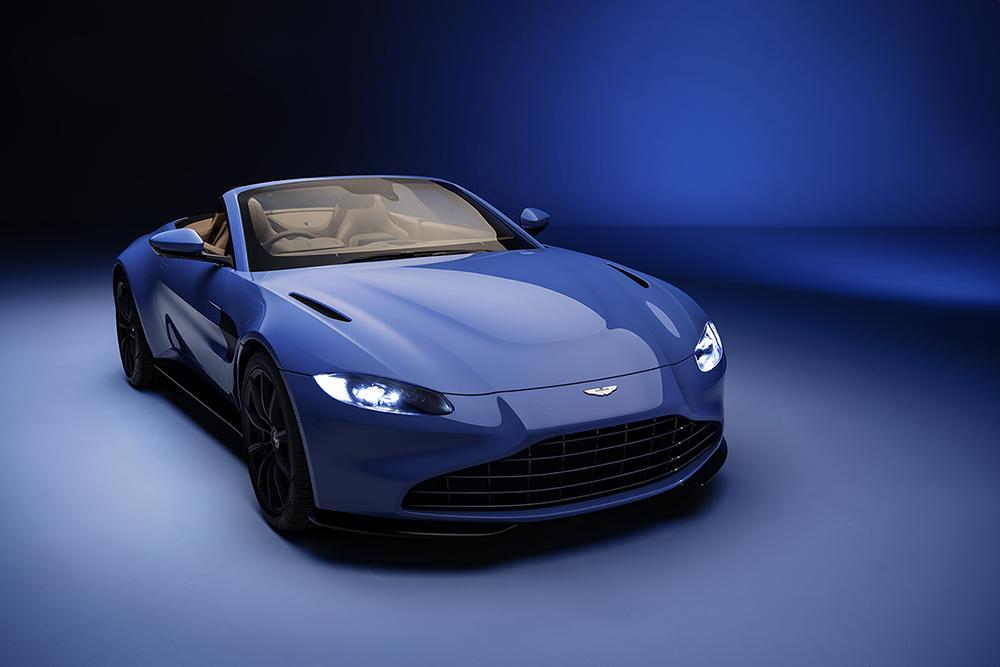 Aston Martin drops the new Vantage Roadster