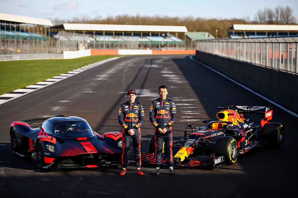 Aston Martin Valkyrie aan de tand gevoeld door Formule 1 coureurs
