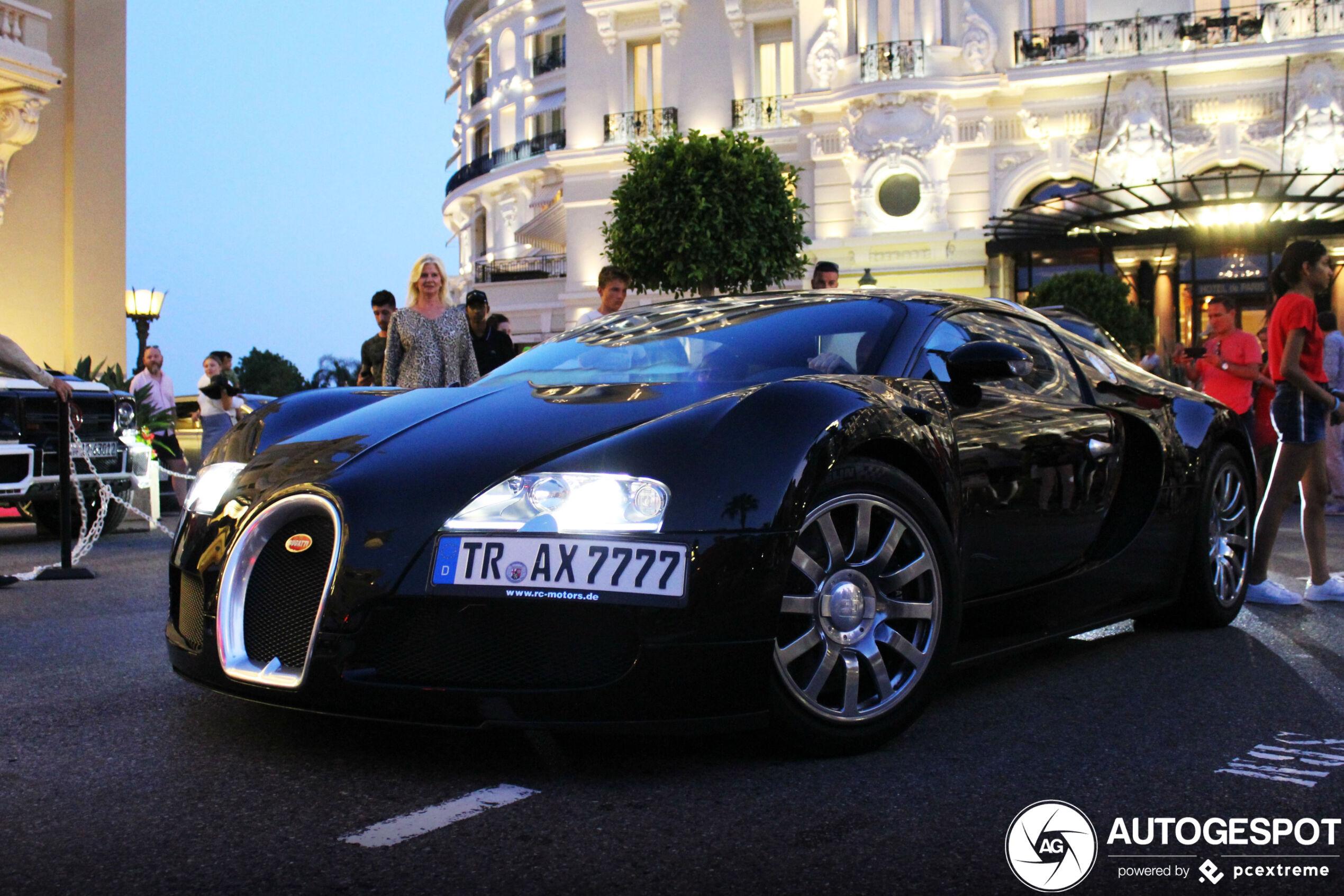 Oldschool Bugatti Veyron 16.4 krijgt de aandacht in Monaco
