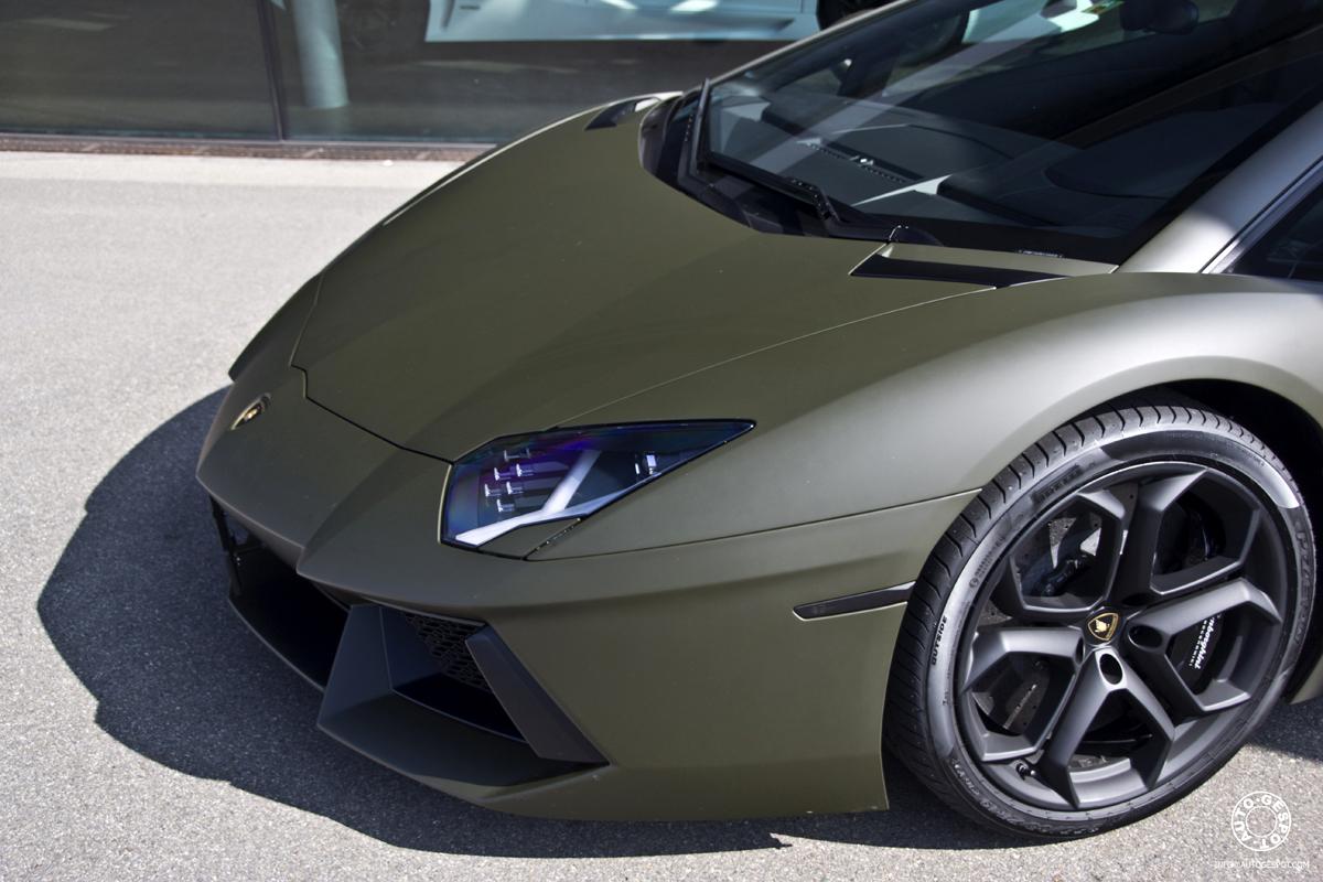 Bij De Dealer Lamborghini Aventador Lp700 4 In Matgroen