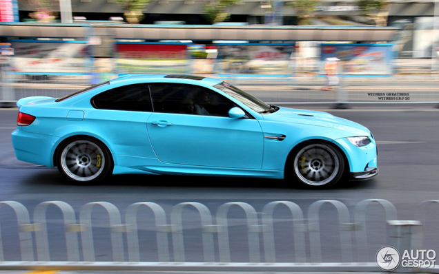 avistado en china bmw m3 e92 coupe en un azul muy especial. Black Bedroom Furniture Sets. Home Design Ideas