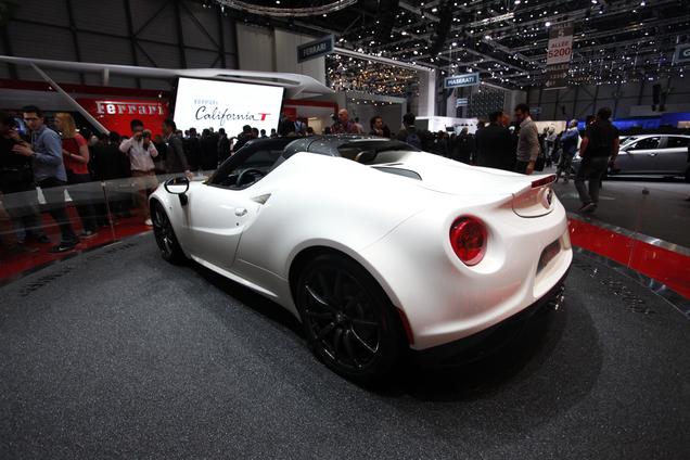 Geneva 2014: Alfa Romeo 4C Spyder