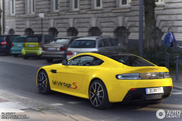 reperat: un galben frumos Aston Martin V12 Vantage S