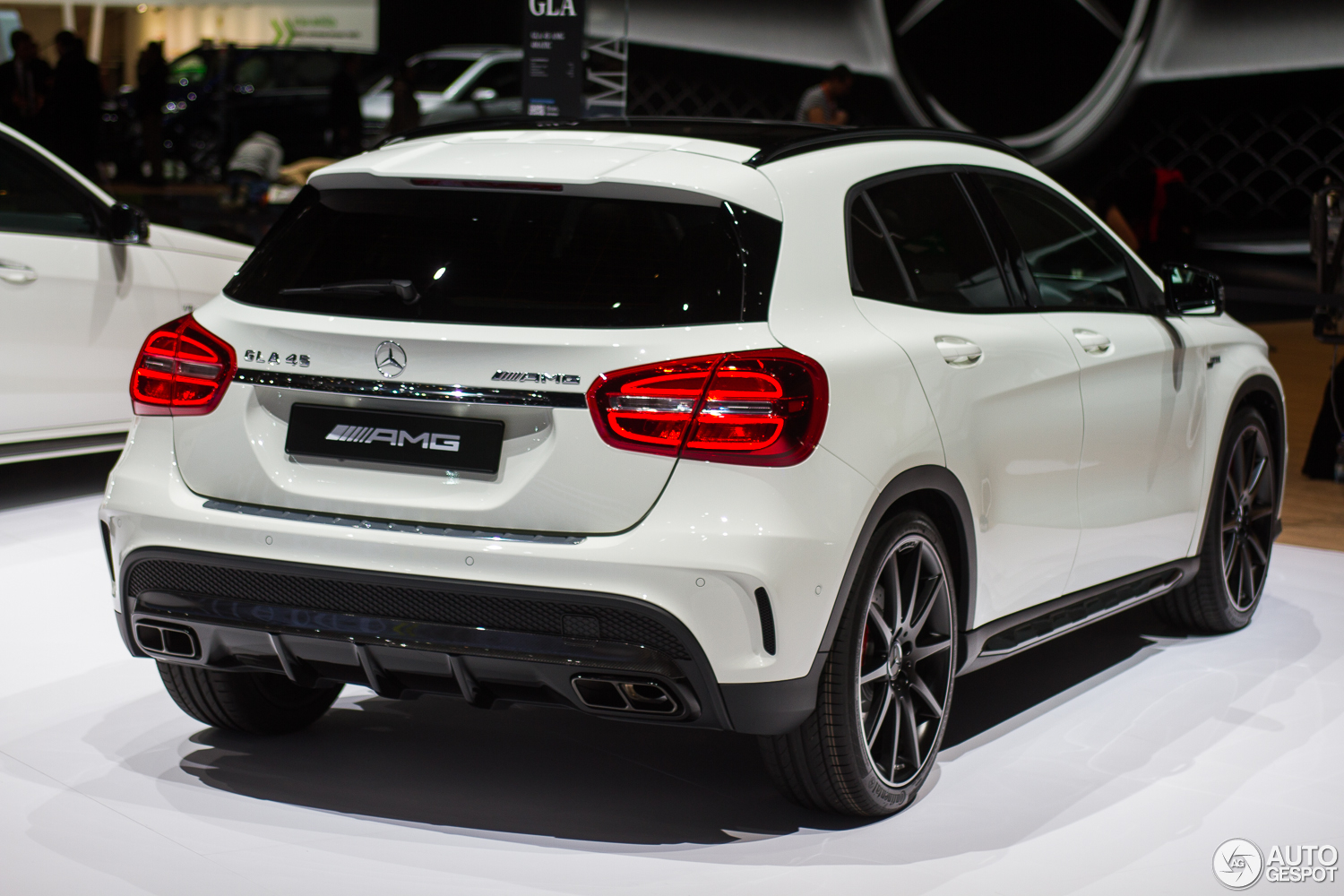 geneva 2014 mercedes benz gla 45 amg. Black Bedroom Furniture Sets. Home Design Ideas