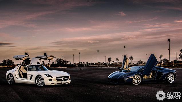 Eigenaar showt zijn supercars in Marrakech
