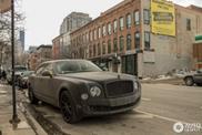 Questa Bentley Mulsanne nera opaca ha bisogno di un lavaggio!