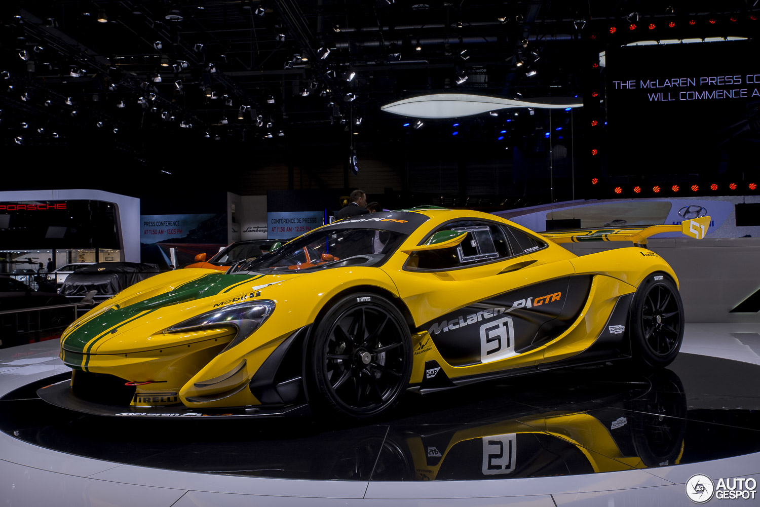 geneva 2015 mclaren p1 gtr production model. Black Bedroom Furniture Sets. Home Design Ideas