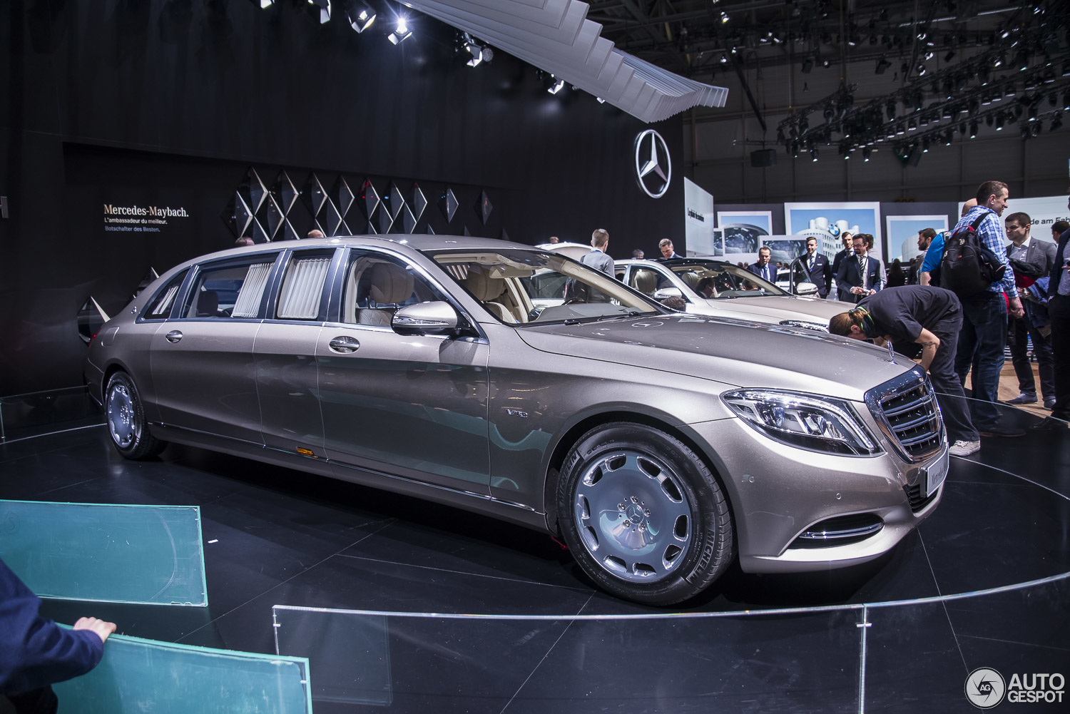 geneva 2015 mercedes maybach s600 pullman. Black Bedroom Furniture Sets. Home Design Ideas