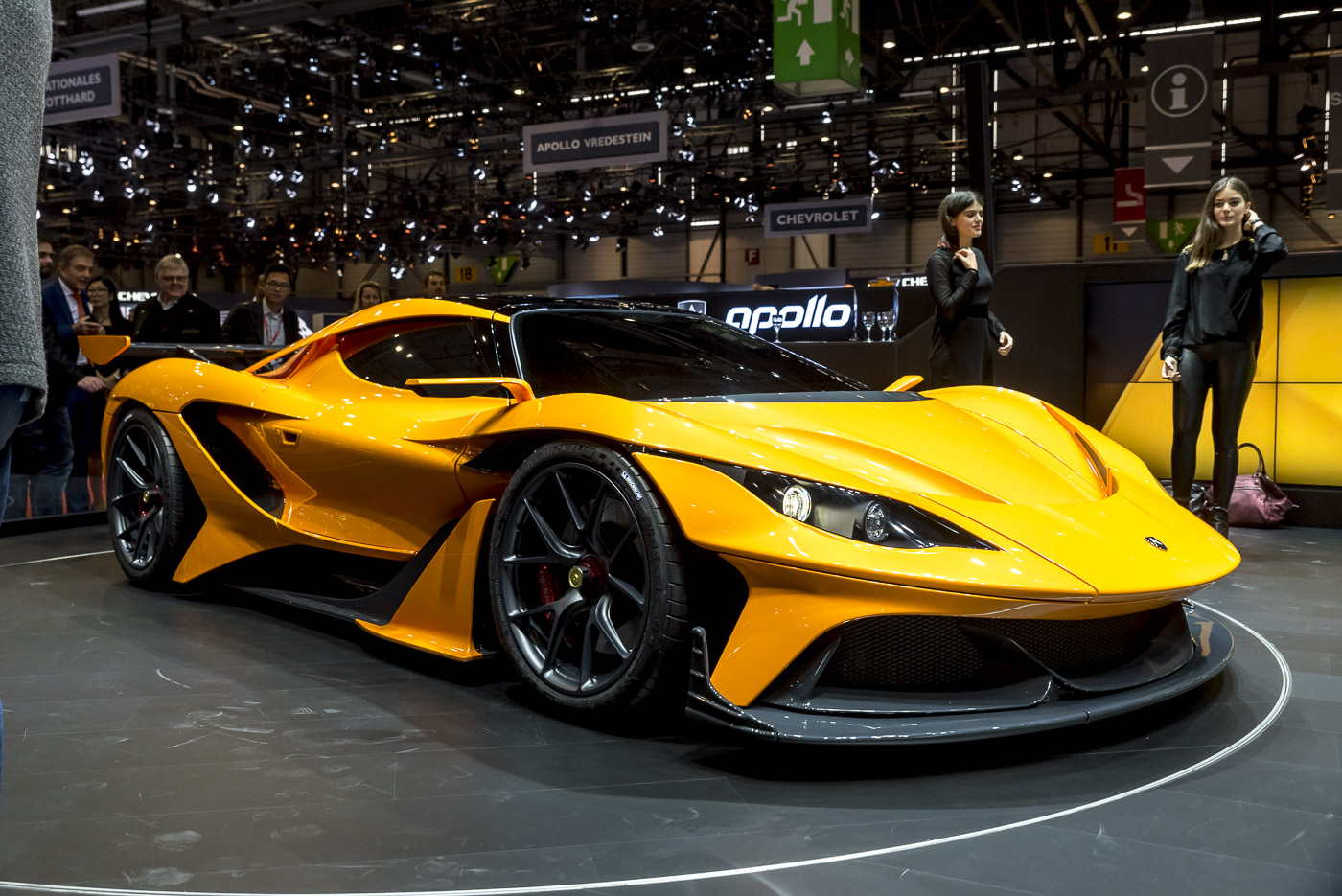 geneva 2016 apollo arrow de return of gumpert. Black Bedroom Furniture Sets. Home Design Ideas