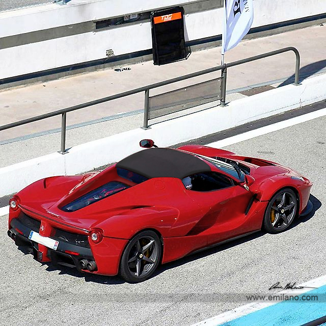 This is what the LaFerrari Spider can look like