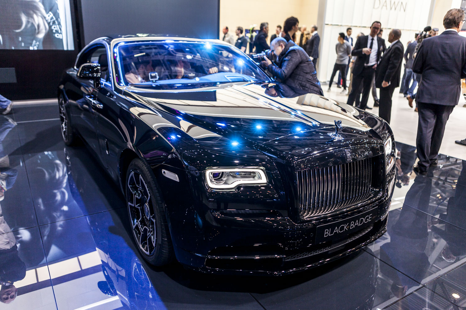 Carbon Fiber Wheels >> Geneva 2016: Rolls-Royce' new Black Badge label