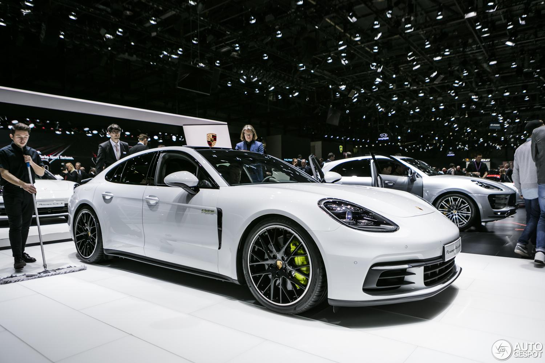 Genève 2017 Porsche Panamera Turbo S E Hybrid