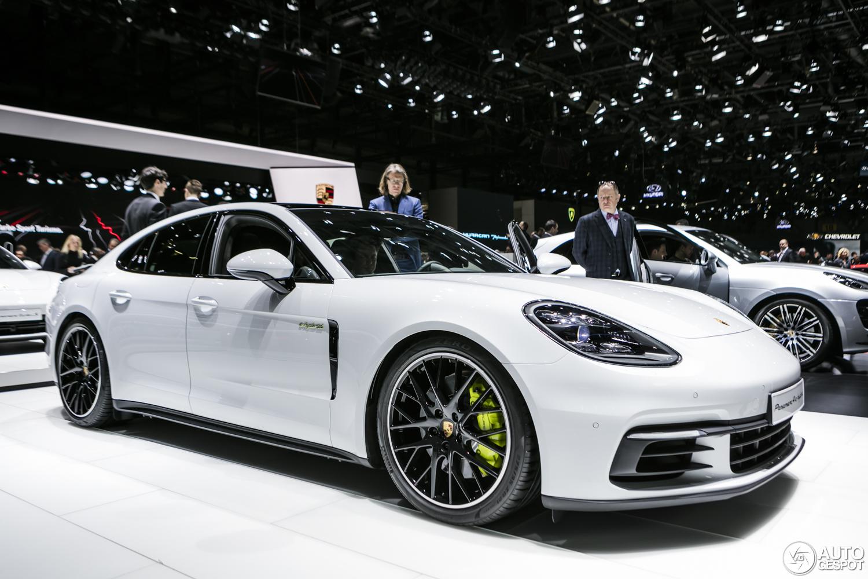 Geneve 2017 Porsche Panamera Turbo S E Hybrid