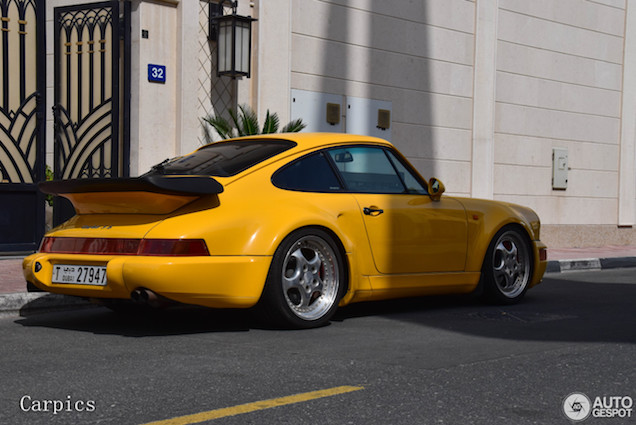 Topspot: zeldzame Porsche 964 Turbo S 3.6 in Dubai